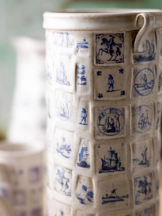 Blue and white vase detail
