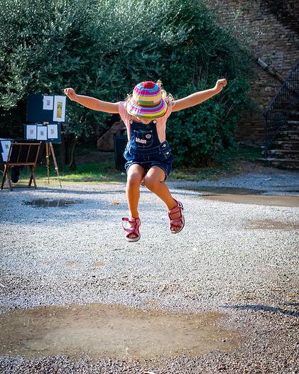 girl-jumping-1799881.jpg