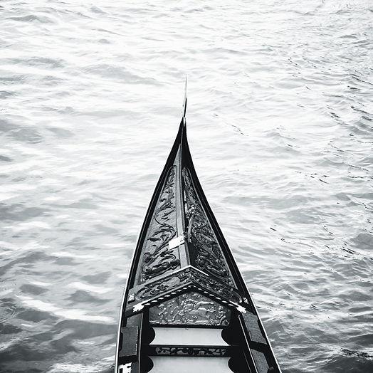 gondola minimal (ramatlan).jpg