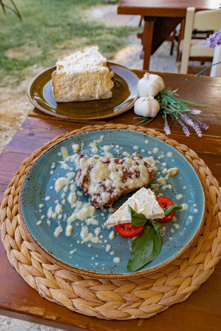 Filetto di manzo alla fonduta di gorgonzola