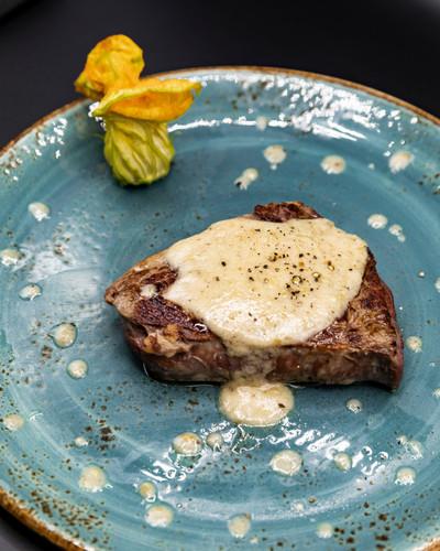Filetto di manzo alla crema di tartufo
