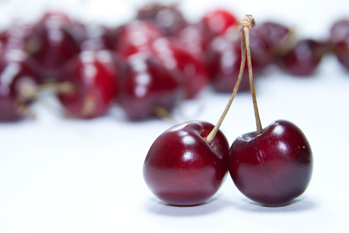 blurred-background-cherries-close-up-768