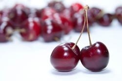 blurred-background-cherries-close-up-768