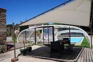 piscine  couverte chauffée a 27° gites la feronniere