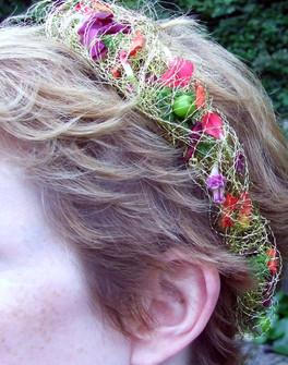 Delicate hair vine