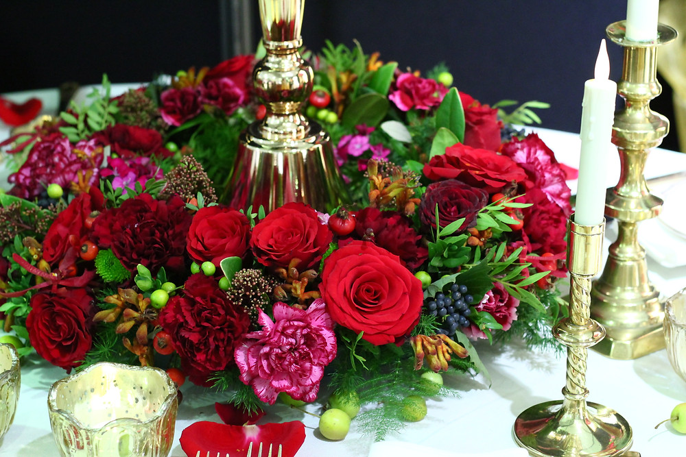 Low round table centrepiece