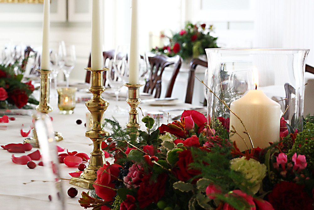 Table centrepiece with candle