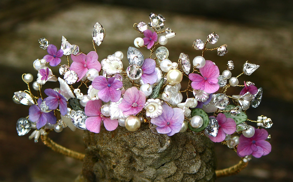 Floral tiara with dusky pink flowers