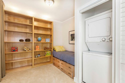 17-541-S-Eliseo-2bed-laundry-high-res