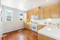 07-2225-Sea-Hero-kitchen-high-res
