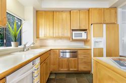 13-541-S-Eliseo-kitchen-high-res