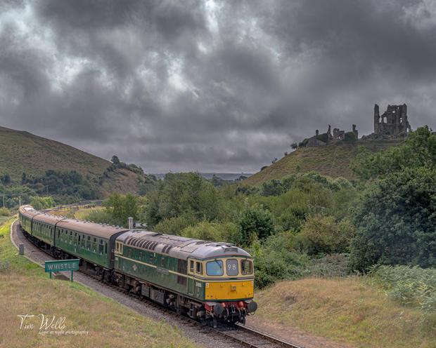 Class 33 Corfe Castle
