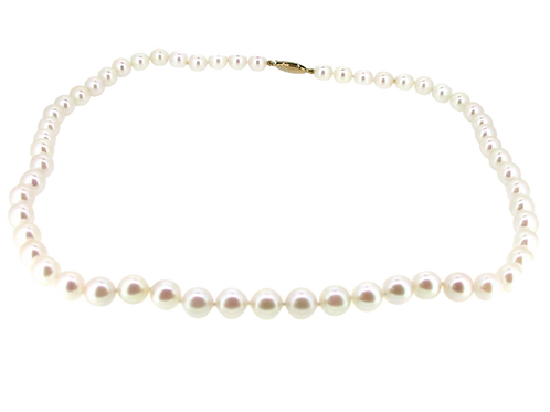 Fresh water Pearl Necklace.