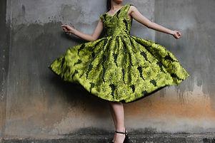 beautiful-design-dress-985635.jpg