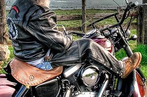 adult-biker-black-leather-jacket-995490_