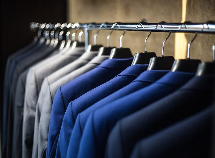 blur-business-clothes-325876_edited.jpg