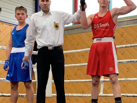 "TuS- Boxer macht kurzen ""Prozess"""