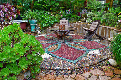 Jeffrey Bale's Mosaic Pilgrimage, a labour of love, a labour of pebbles!