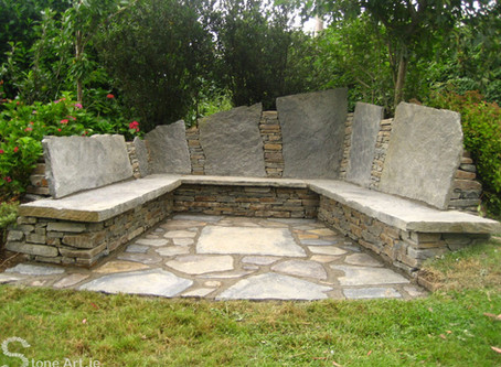 Stone seats, the building process.