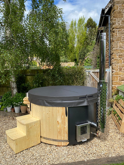 Hot Tubs In France latest images (8).jpeg