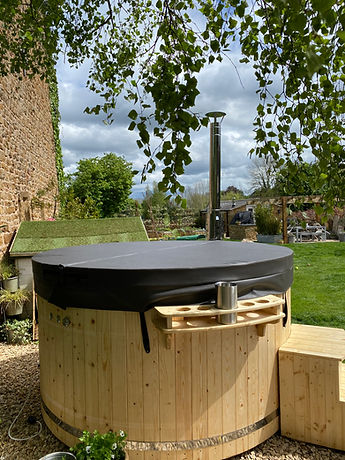 Hot Tubs In France latest images (7).jpeg