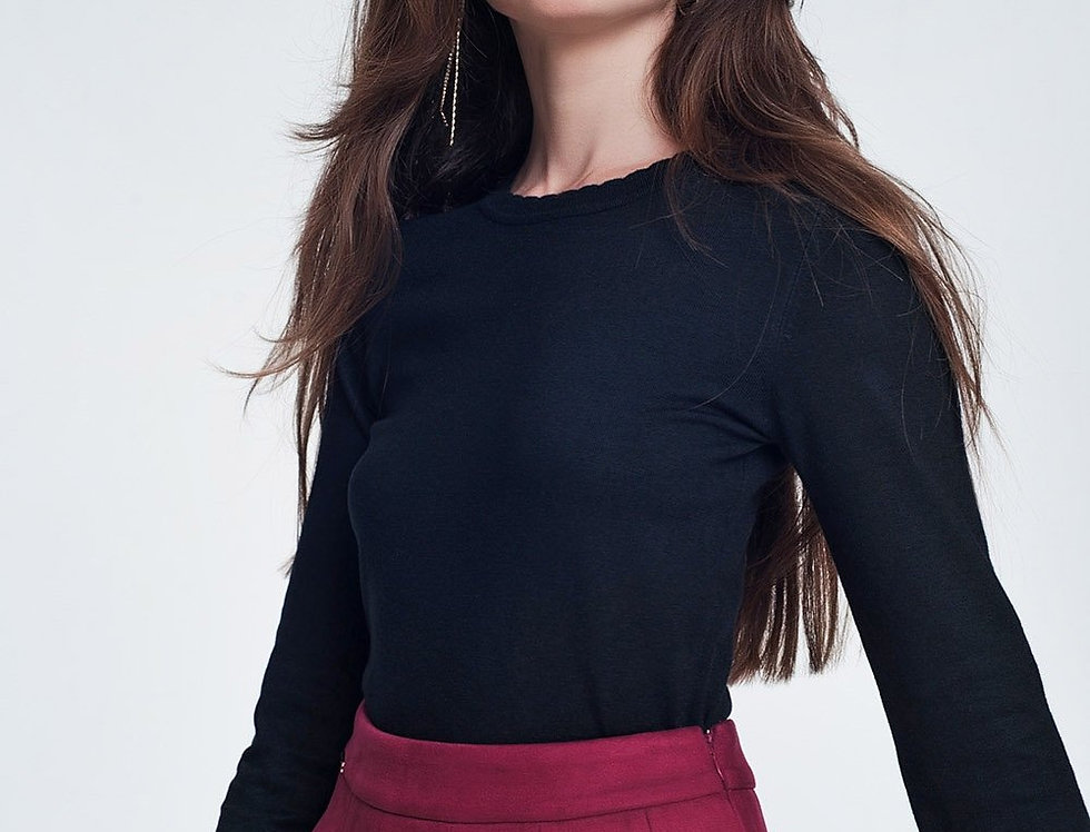 Black Sweatshirt With Long Sleeves and Round Neckline