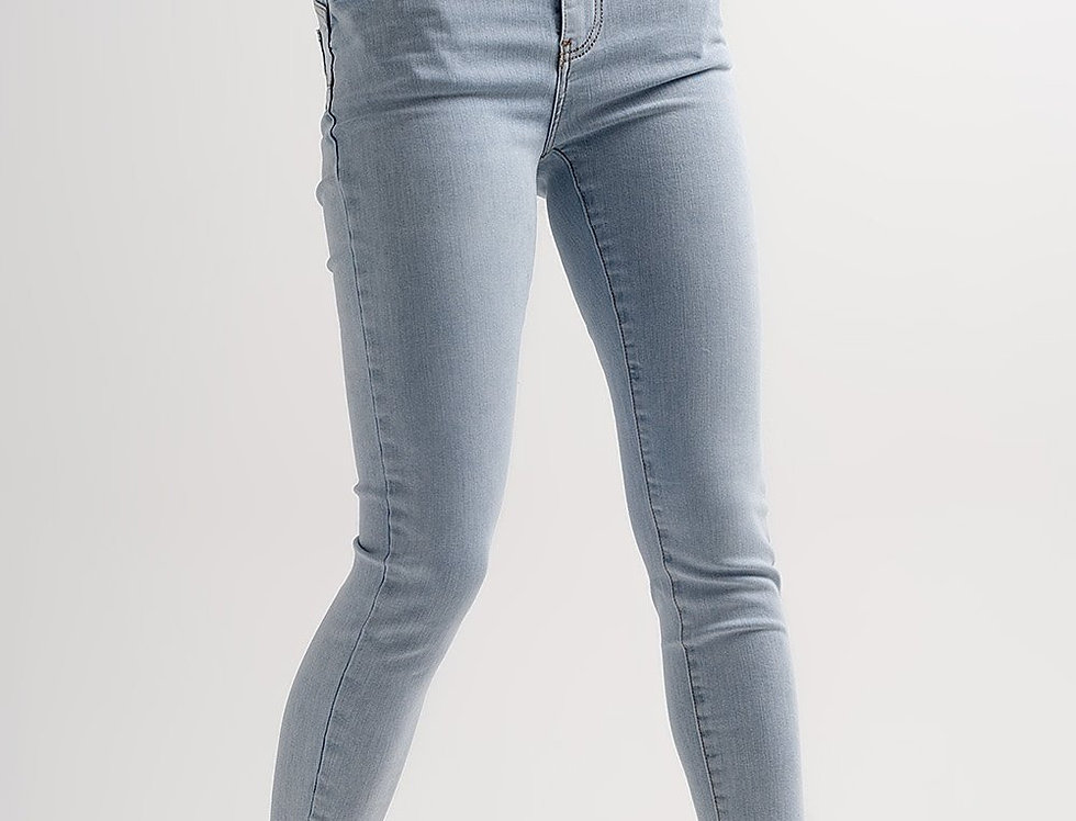 High Rise Lift and Contour Skinny Jeans in Lightwash