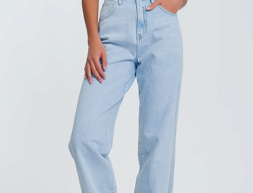 High Waist Mom Jeans in Light Blue Denim