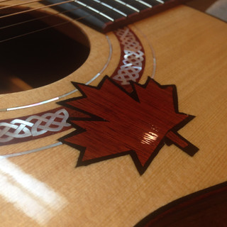 Maple leaf inlay