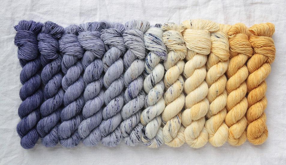 Casapinka - Crown Wools MKAL kit  PENSEE