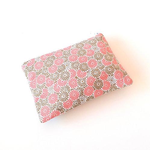 Pochette petit format-paquerettes rose et beige
