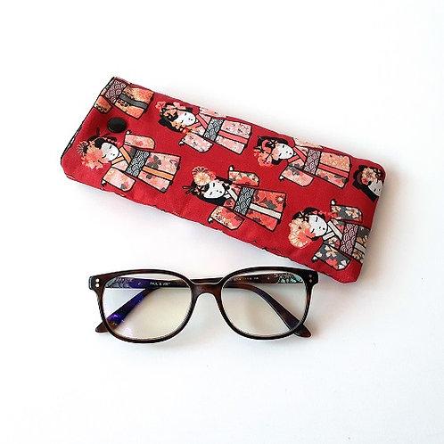 Etui à lunettes moustaches kokeshi