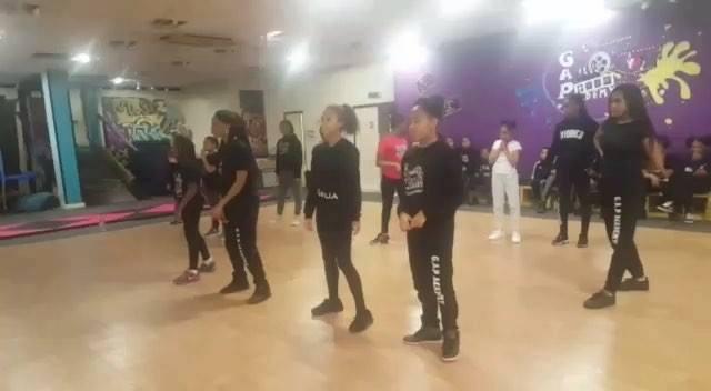 Meanwhile at G.A.P Academy , hip hop class choreographed by @mrs_sadé_nicole