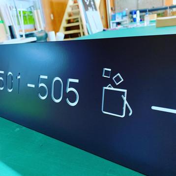 ステンレス焼付内装式LED