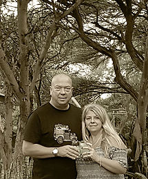 Carl and Liz Elford, owners of Ithabiseng Guest Farm