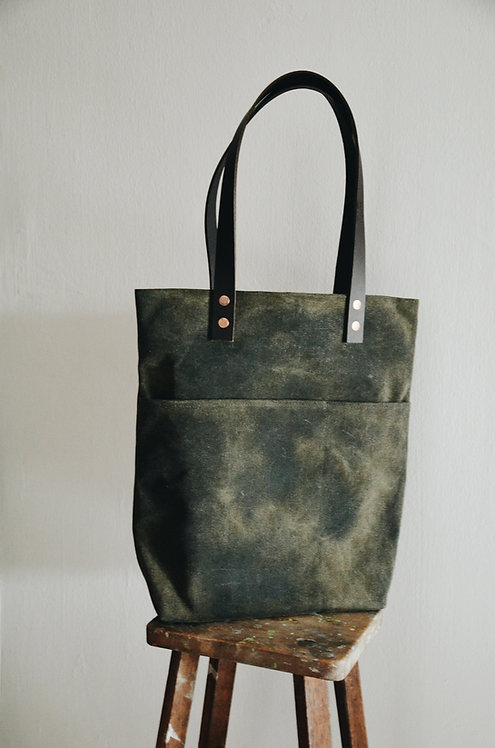 Double leather strap tote bag