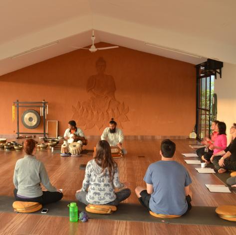 Bhakti yoga à 16h