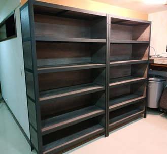 角鋼櫃-8mm內嵌式美芯板-龐貝黑杉+黑砂紋角鋼+封孔柱+三面封板
