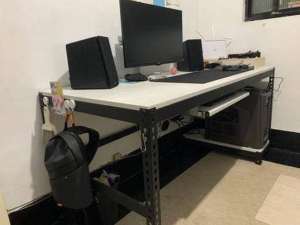 5324電腦桌+鍵盤抽+主機架-2米蘭白杉木.jpg