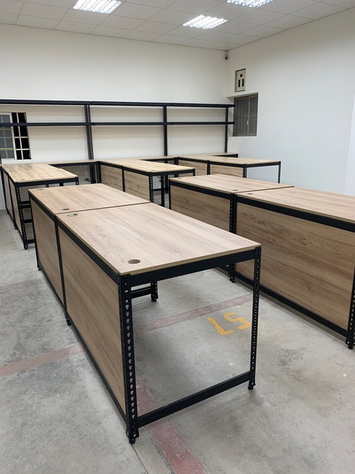 IMG_0582辦公桌.JPG