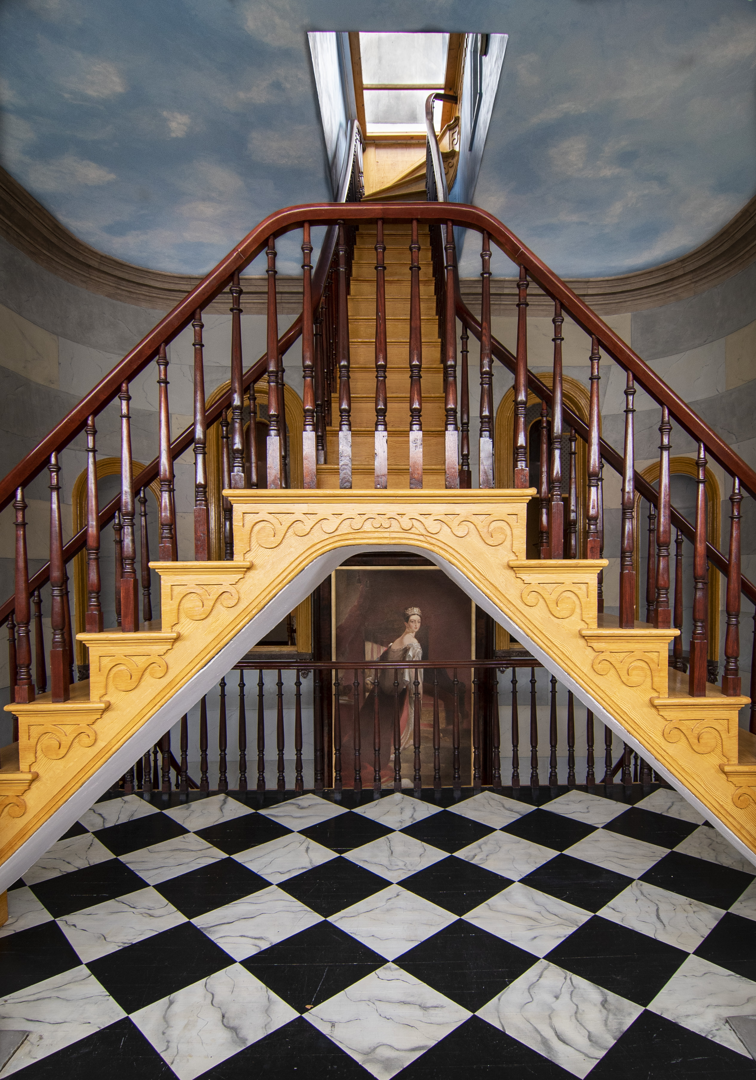 Belmont Mansion  Queen Victoria Painting  and  Stair  June 20, 2018  _14