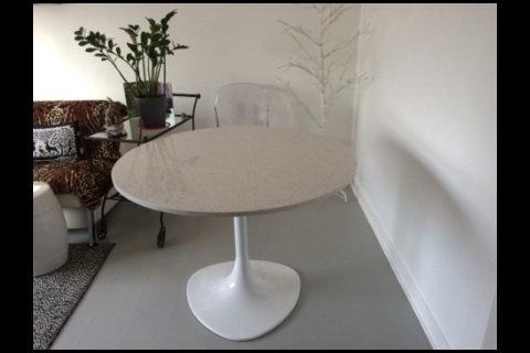TABLE RONDE  EN PIERRE