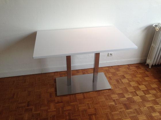TABLE PIERRE QUARTZ
