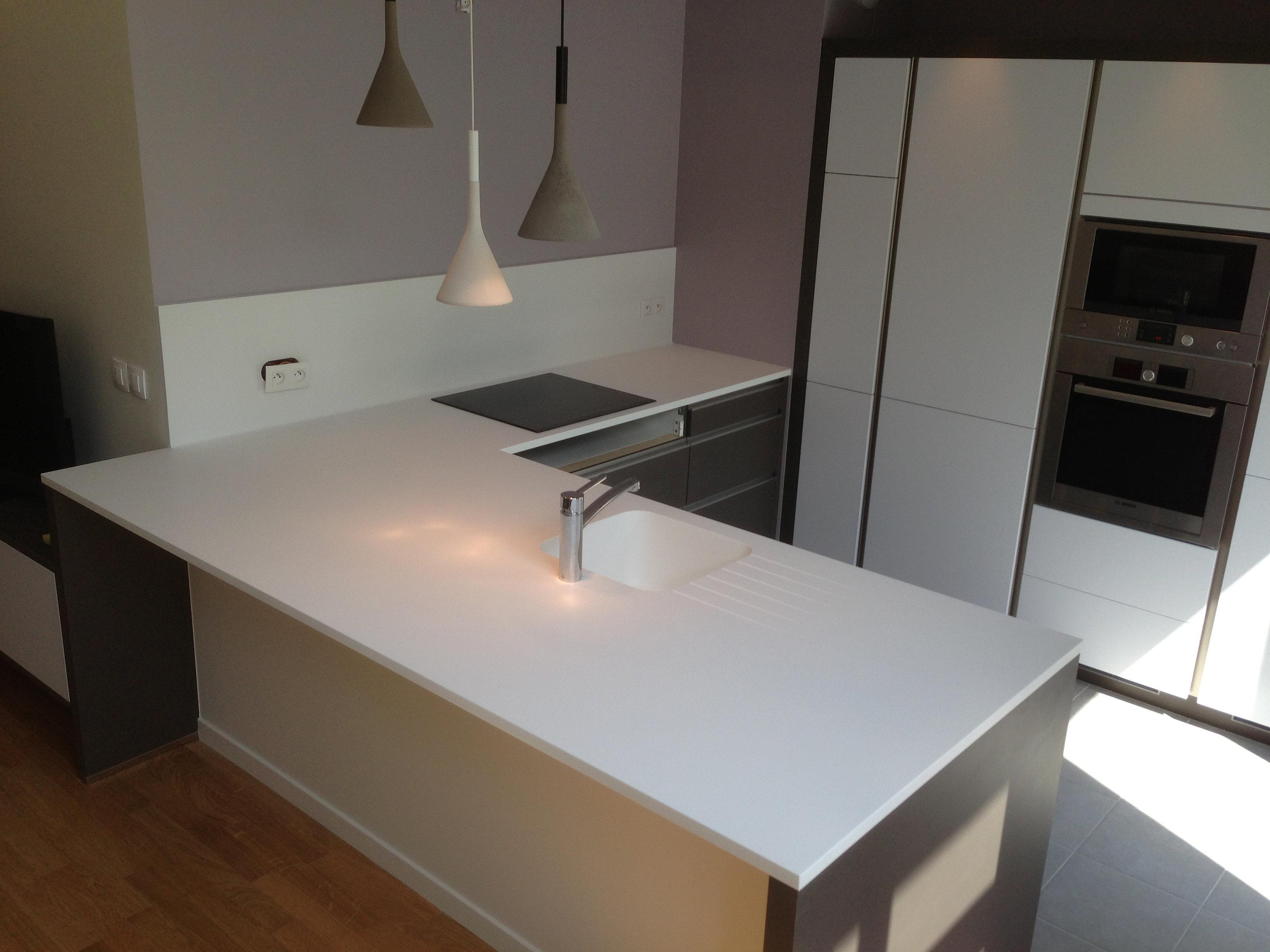 devis plan de travail com paris granit quartz marbre plan de travail en corian. Black Bedroom Furniture Sets. Home Design Ideas