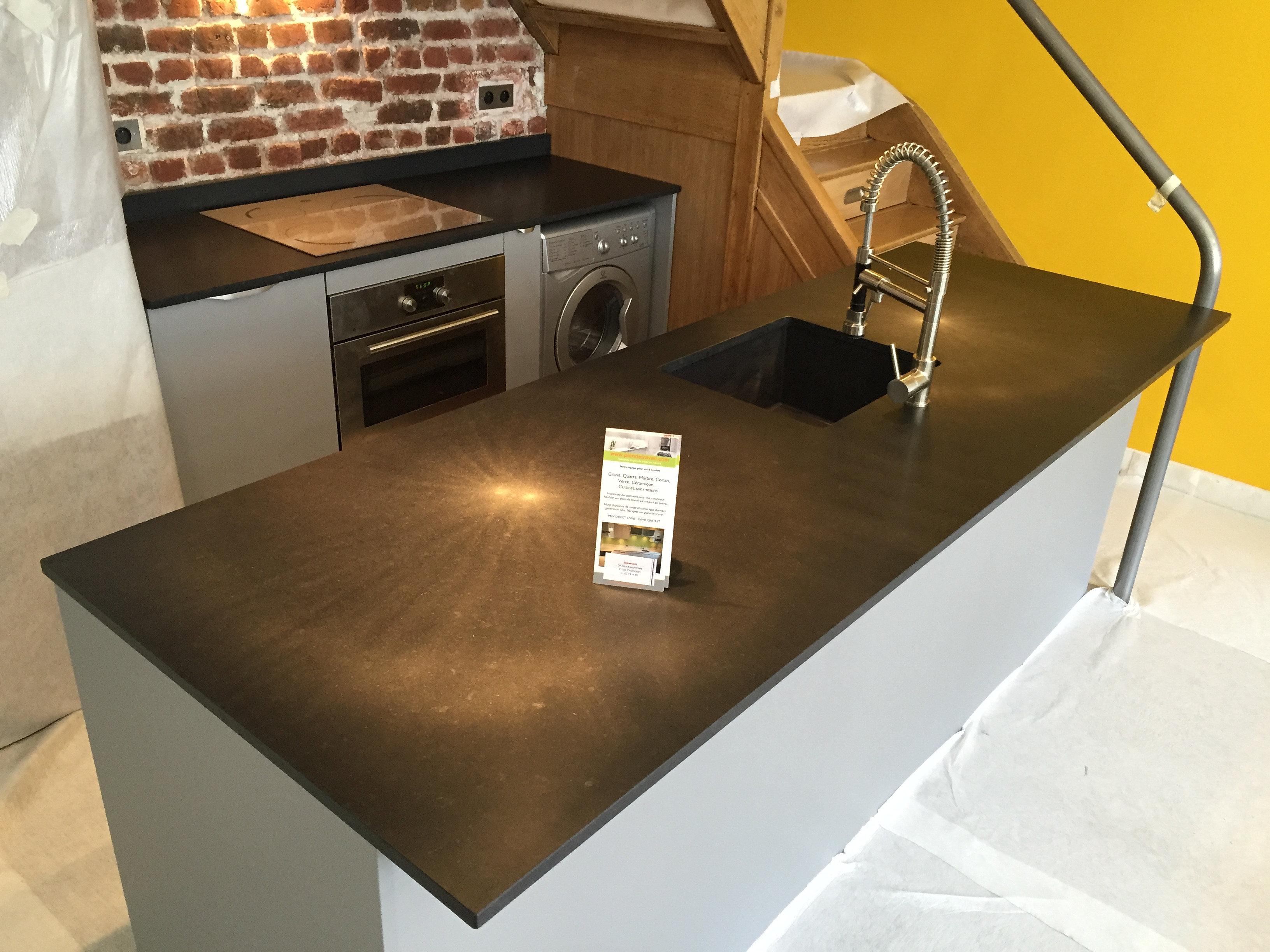 plan de travail granit quartz table en mabre paris essonne granit noir zimbabwe mat. Black Bedroom Furniture Sets. Home Design Ideas