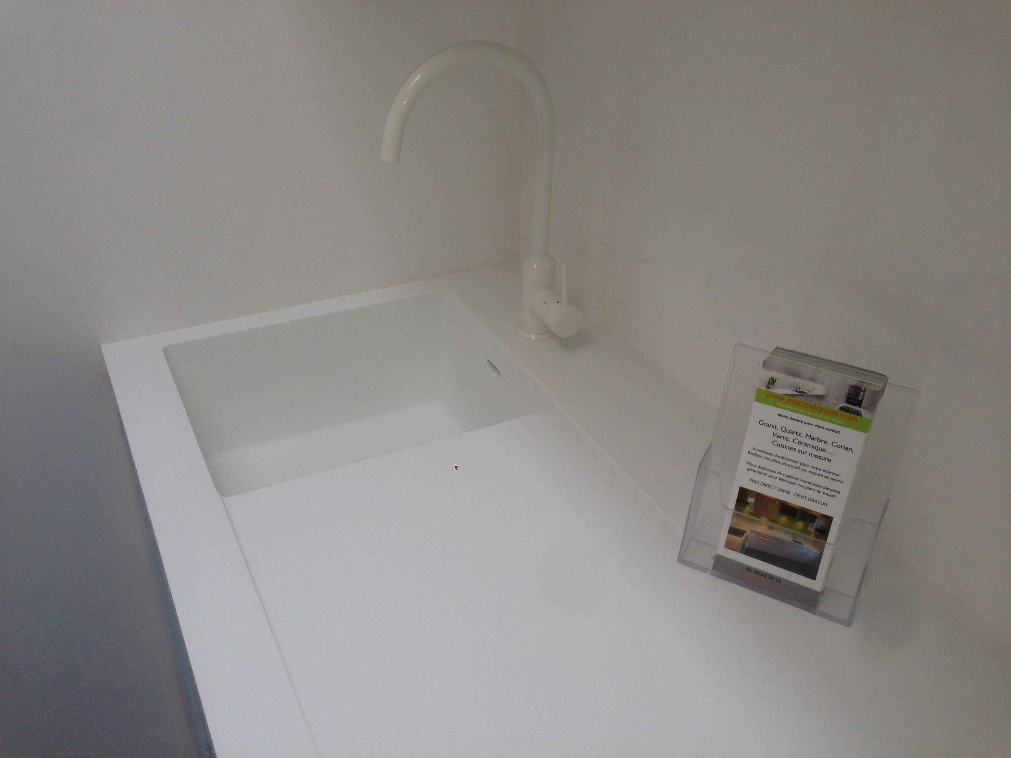 plan de travail granit quartz table en mabre paris essonne evier corian paris. Black Bedroom Furniture Sets. Home Design Ideas