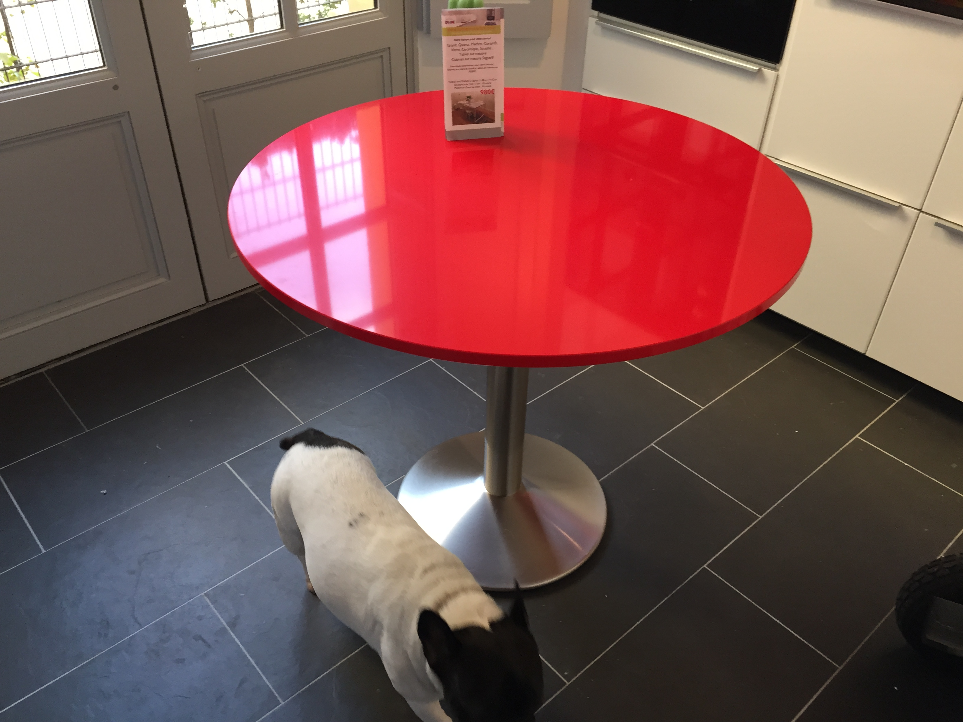 TABLE QUARTZ SILESTONE ROUGE