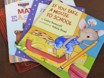 町立図書館に英語の絵本を寄贈いたしました。