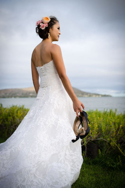 bride with her shoes paiko 8:12:14.jpg