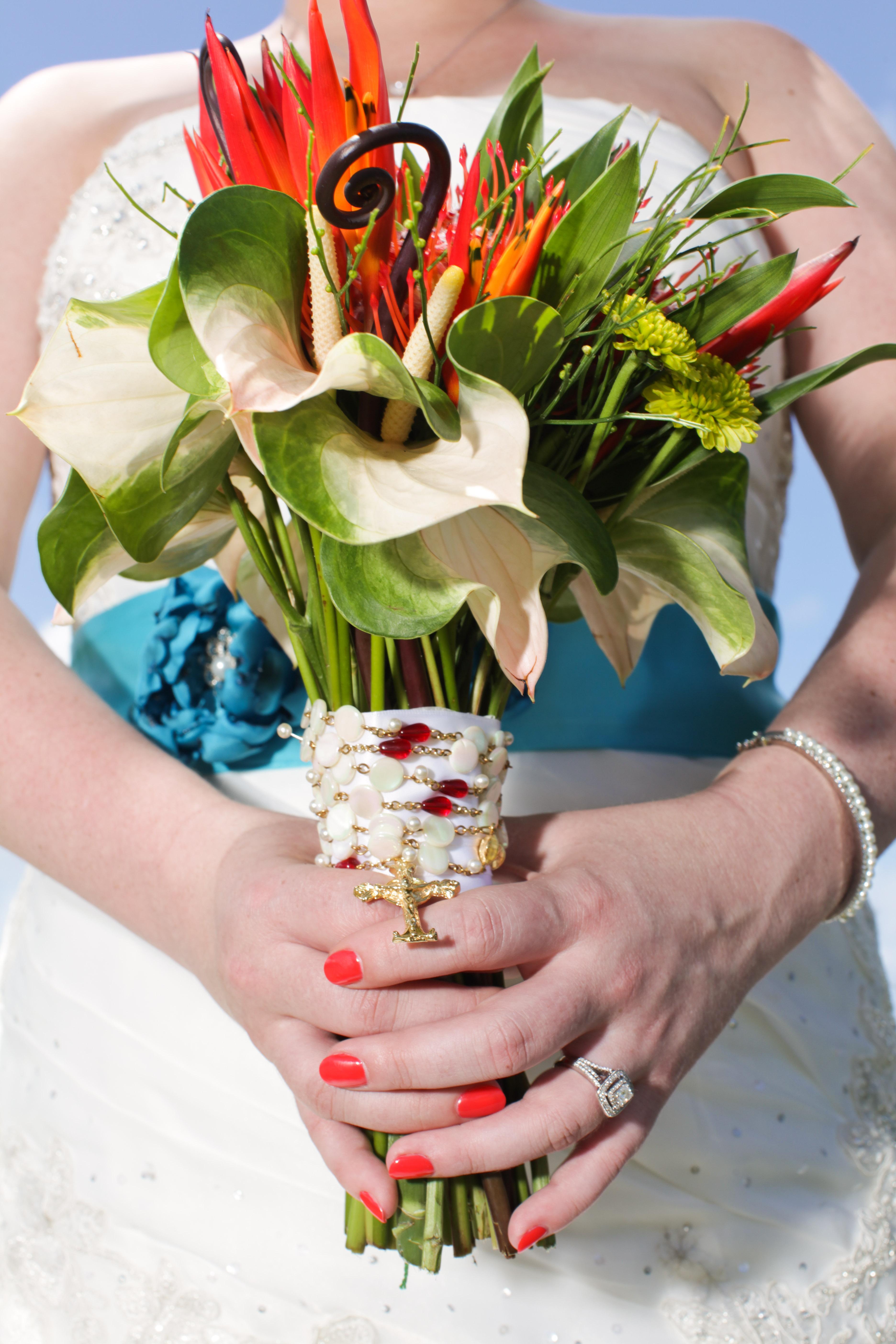 kristen holding flowers.jpg